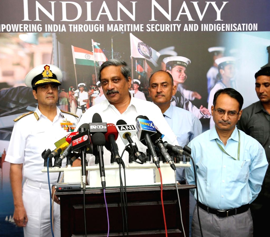 Union Minister for Defence Manohar Parrikar interacts with the media, during the Naval Commanders' conference, in New Delhi on April 21, 2016. Also seen the Chief of Naval Staff, Admiral ...