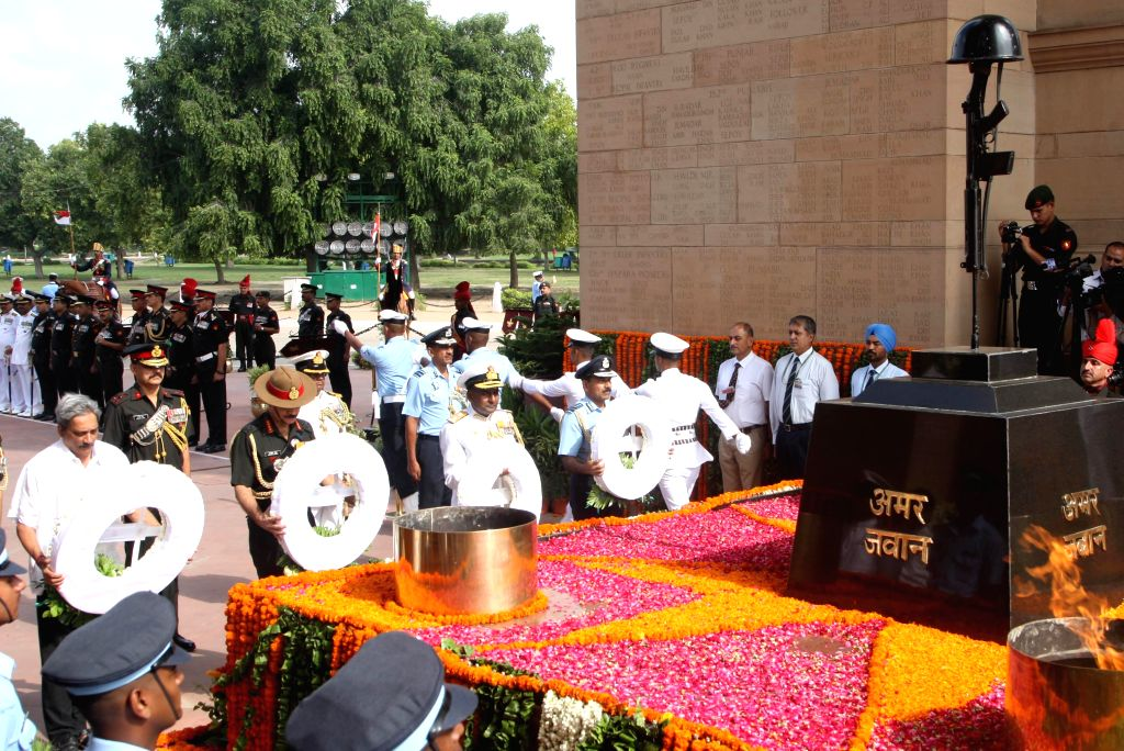 Union Minister for Defence Manohar Parrikar, Chief of Army Staff, General Dalbir Singh, Vice chief of Navel staff vice Admiral P.Murugesan and the Chief of Air Staff, Air Chief Marshal ... - Dalbir Singh