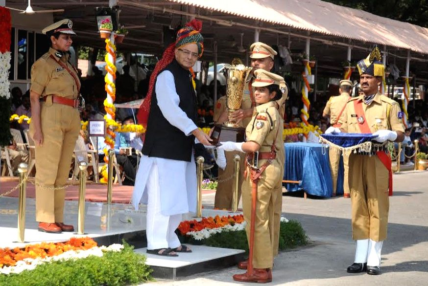 Union Minister for Finance and Corporate Affairs Arun Jaitley presents the best Lady Outdoor Probationer trophy to Chaitra Teresa John, IPS Probationers, at the Dikshant Parade of the 68th ... - Affairs Arun Jaitley
