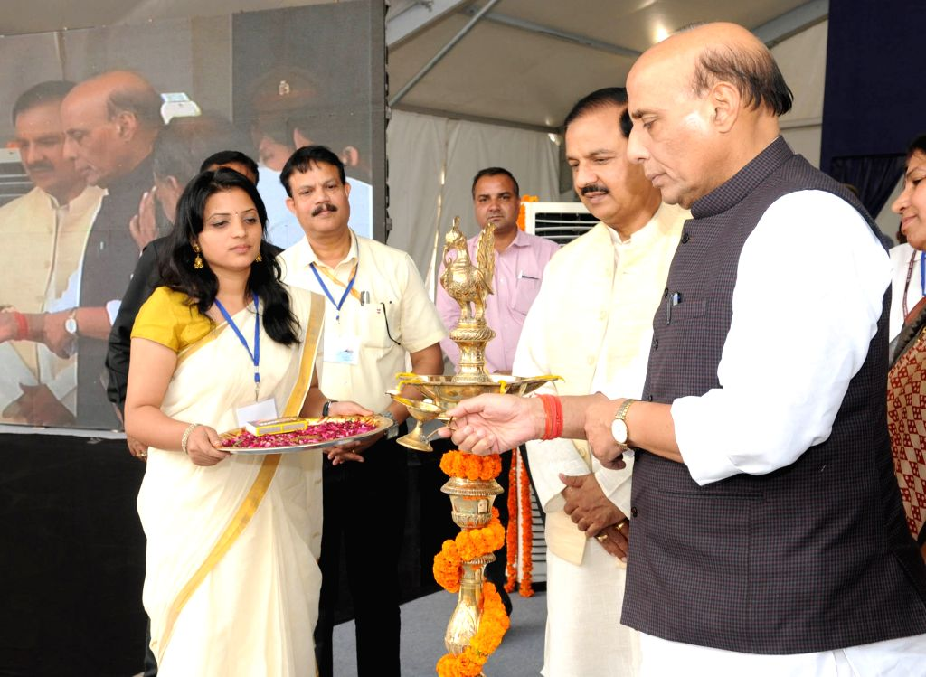 Union Minister for Finance and Corporate Affairs Arun Jaitley, Union Minister for Urban Development, Housing & Urban Poverty Alleviation and Information & Broadcasting, M. Venkaiah ... - M. Venkaiah Naidu, Affairs Arun Jaitley and N. Chandrababu Naidu