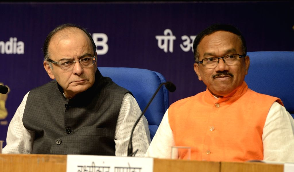 Union Minister for Finance, Corporate Affairs, and Information and Broadcasting Arun Jaitley and Goa Chief Minister Laxmikant Parsekar during a press conference regarding  International Film Festival ... - Laxmikant Parsekar and Arun Jaitley