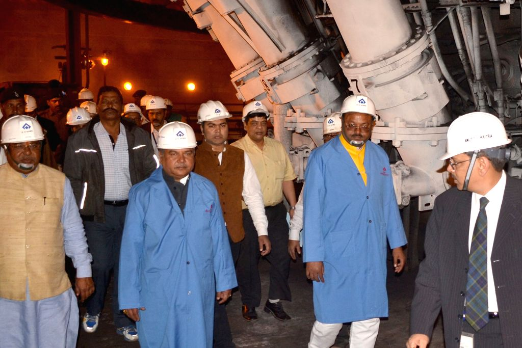 Union Minister for Mines and Steel Narendra Singh Tomar visits the Bokaro Steel Plant, in Bokaro, Jharkhand on Jan 18, 2016.