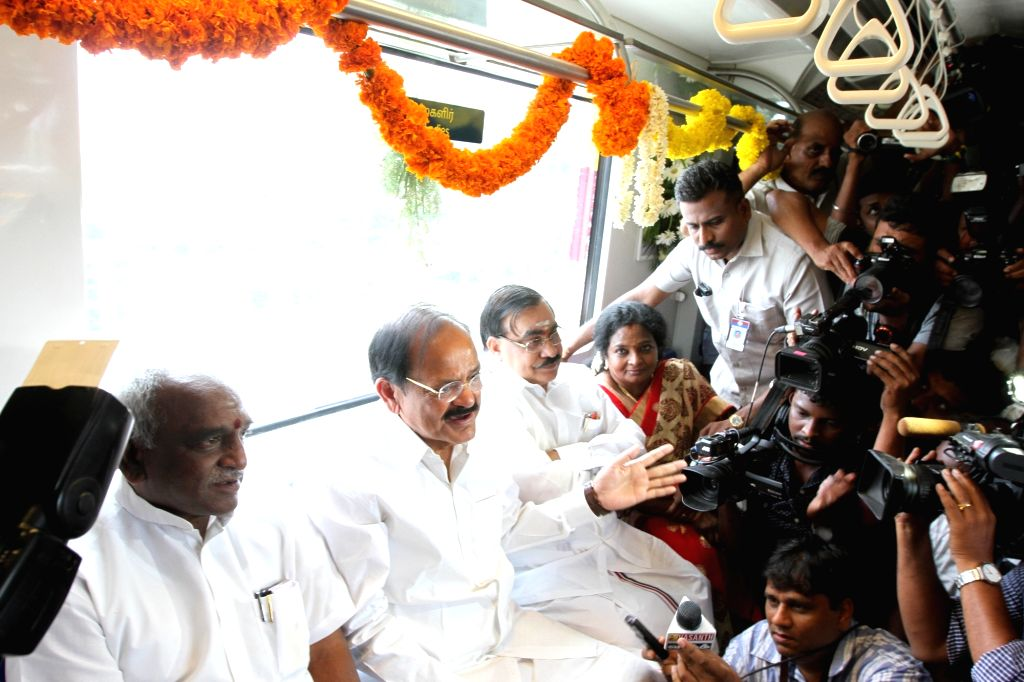 Union Minister for Urban Development, Housing & Urban Poverty Alleviation and Information & Broadcasting M Venkaiah Naidu traveling in Metro Train after inaugurating the Metro Rail ... - M Venkaiah Naidu