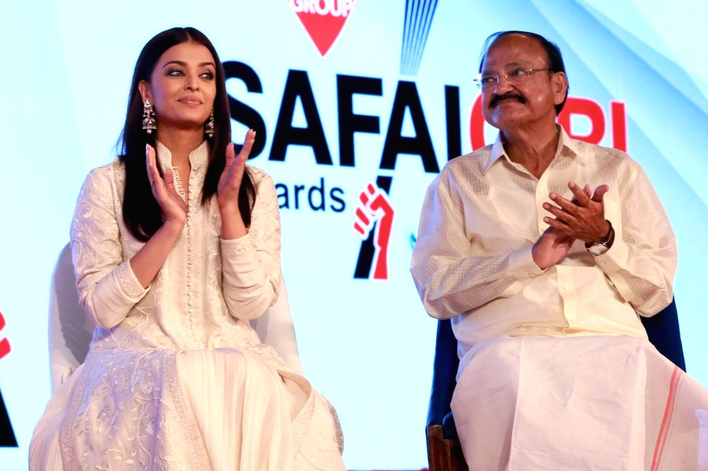 Union Minister for Urban Development, Housing & Urban Poverty Alleviation and Information & Broadcasting M. Venkaiah Naidu  and actress Aishwarya Rai - Aishwarya Rai and M. Venkaiah Naidu