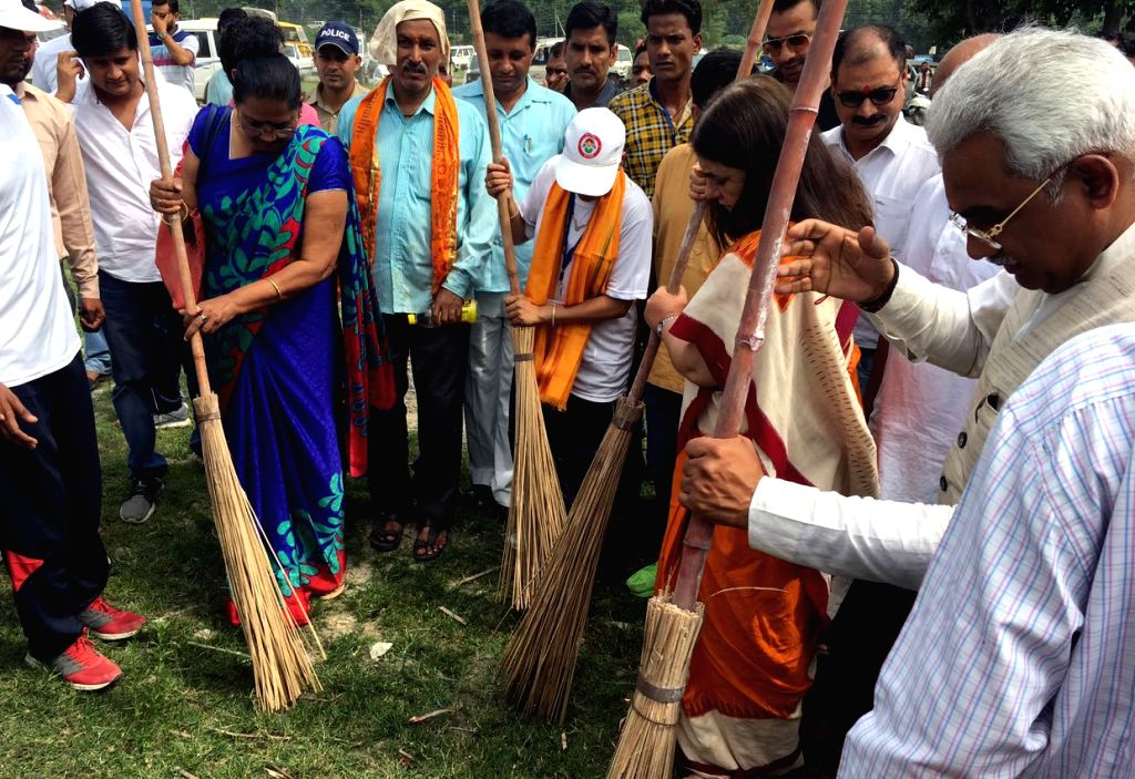 Union Minister for Women and Child Development Maneka Gandhi participates in the cleanliness drive at the 'Swachhta Hi Sewa' campaign in Haridwar on Sept 17, 2017. - Development Maneka Gandhi