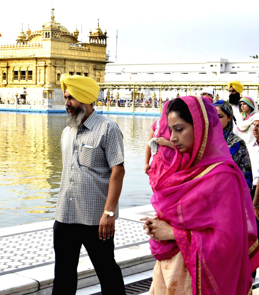 Union Minister Harsimrat Kaur Badal paying obeisance at Golden Temple in Amritsar on August 2, 2014.