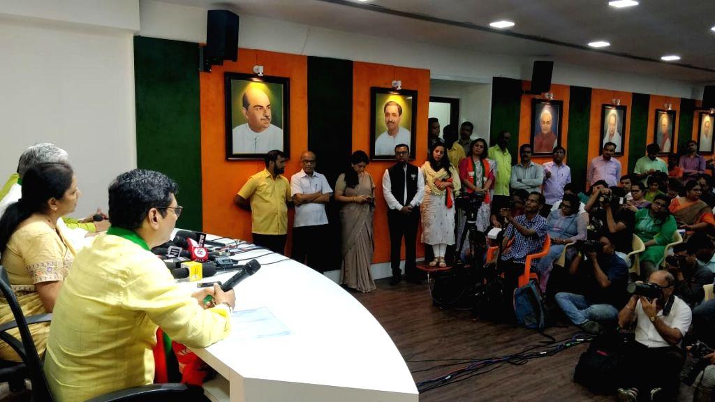 Union Minister Nirmala Sitharaman addresses a press conference at the BJP office in Mumbai on Oct 10, 2019. - Nirmala Sitharaman