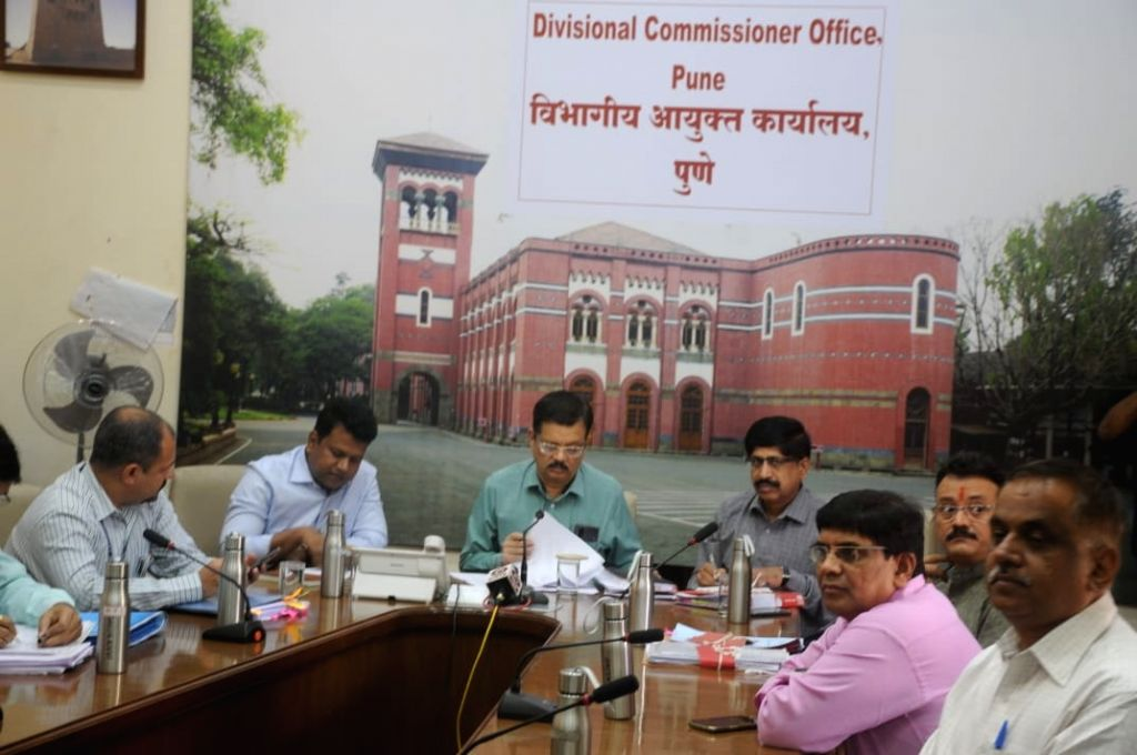 Union Minister Prakash Javadekar reviews the measures taken by Pune District administration to control the spread of COVID-19 via video conferencing with Divisional Commissioner Deepak ... - Prakash Javadekar