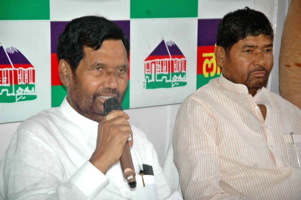 Union Minister Ram Vilas Paswan addresses a press conference in Patna on Aug 14, 2017. - Ram Vilas Paswan