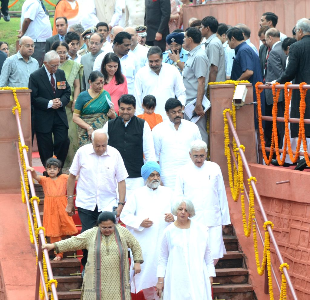 Union Ministers and other dignitaries walking down the ramparts of Red Fort, on the occasion of 67th Independence Day in Delhi on August 15, 2013. (Photo::: IANS)