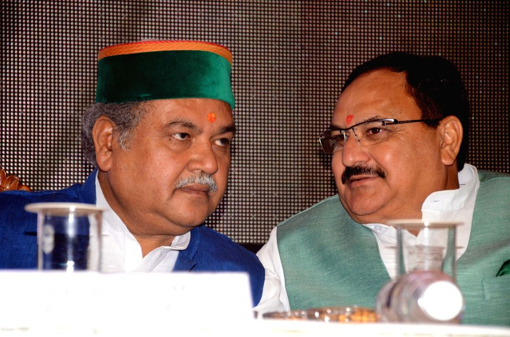 Union Ministers Narendra Singh Tomar and JP Nada during a programme in Shimla on OCt 28, 2016. - Narendra Singh Tomar and J