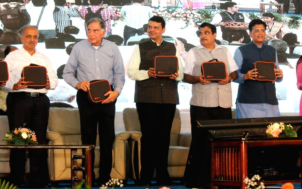 Union Ministers Nitin Gadkari and Piyush Goyal with Maharashtra Chief Minister Devendra Fadnavis and Industrialist Ratan Tata at the launch of Phase 1 of National Cancer Institute at Jamtha ... - Devendra Fadnavis, Nitin Gadkari, Piyush Goyal and Ratan Tata