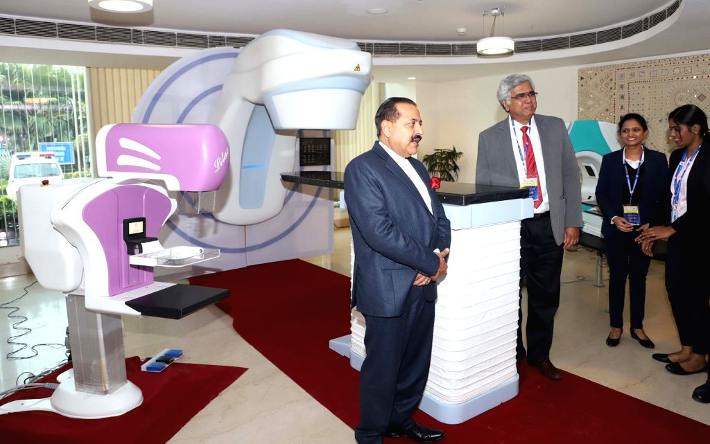 Union MoS Atomic Energy and Space Jitendra Singh visits an exhibition during the 'Paramanu Tech 2019' Conference in New Delhi, on Feb 6, 2019. - Jitendra Singh