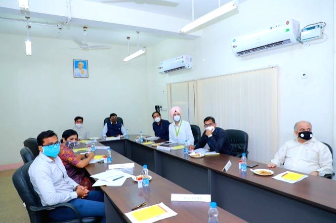 Union MoS Chemicals and Fertilizers and Shipping Mansukh L. Mandaviya visited the upcoming Urea unit of Ramagundam Fertilizers and Chemicals Limited (RFCL) and reviewed the progress  of ...
