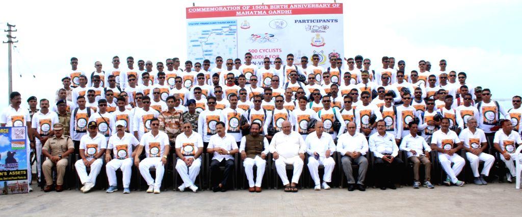 Porbandar (Gujarat): G  Kishan Reddy flags off Cycle Rally