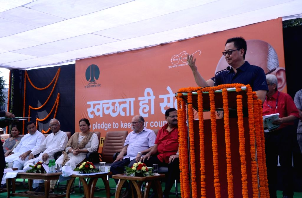 Union MoS Home Affairs Kiren Rijiju addresses during a a cleanliness drive organised as part of the 'Swachhata Hi Seva Movement', in New Delhi on Sept 15, 2018.