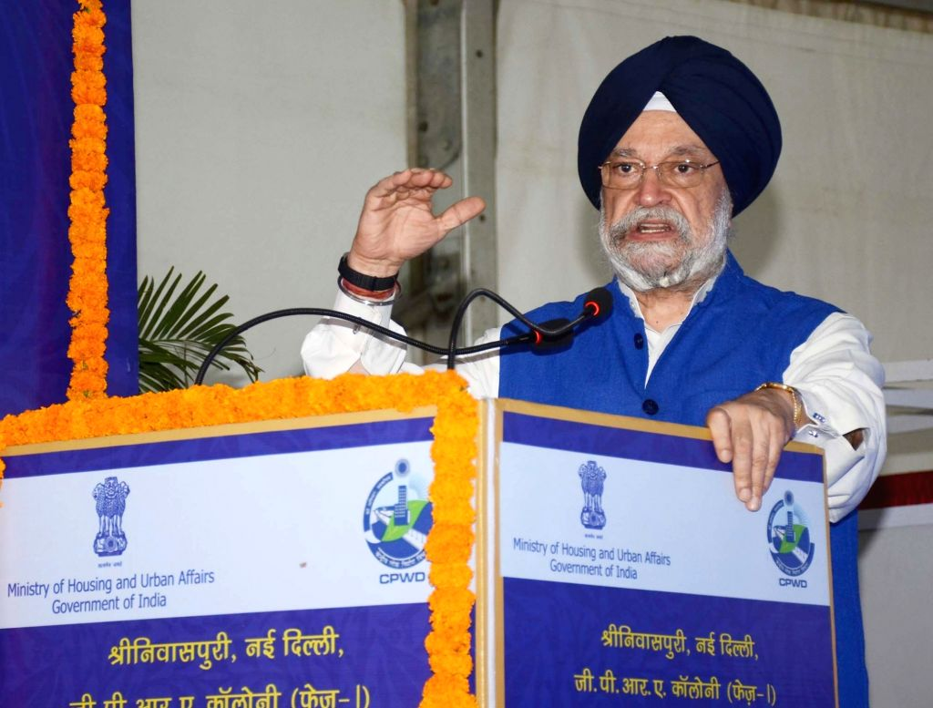 Union MoS Housing and Urban Affairs Hardeep Singh Puri addresses at the foundation stone laying ceremony of the redevelopment of GPRA Colony (Phase-I), in New Delhi, on Feb 22, 2019.
