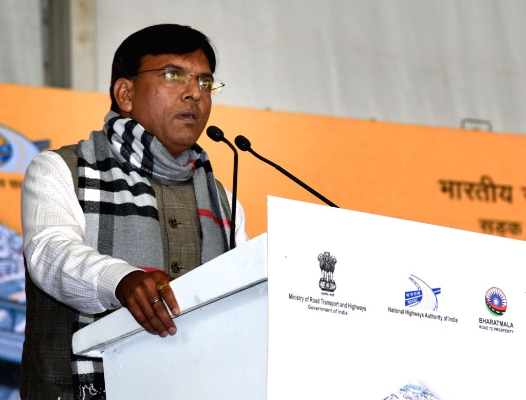 Union MoS Road Transport and Highways Mansukh L. Mandaviya addresses at the foundation stone laying ceremony of the 6 lane access controlled corridor of NH 709 B, in Delhi on Jan 26, 2019.