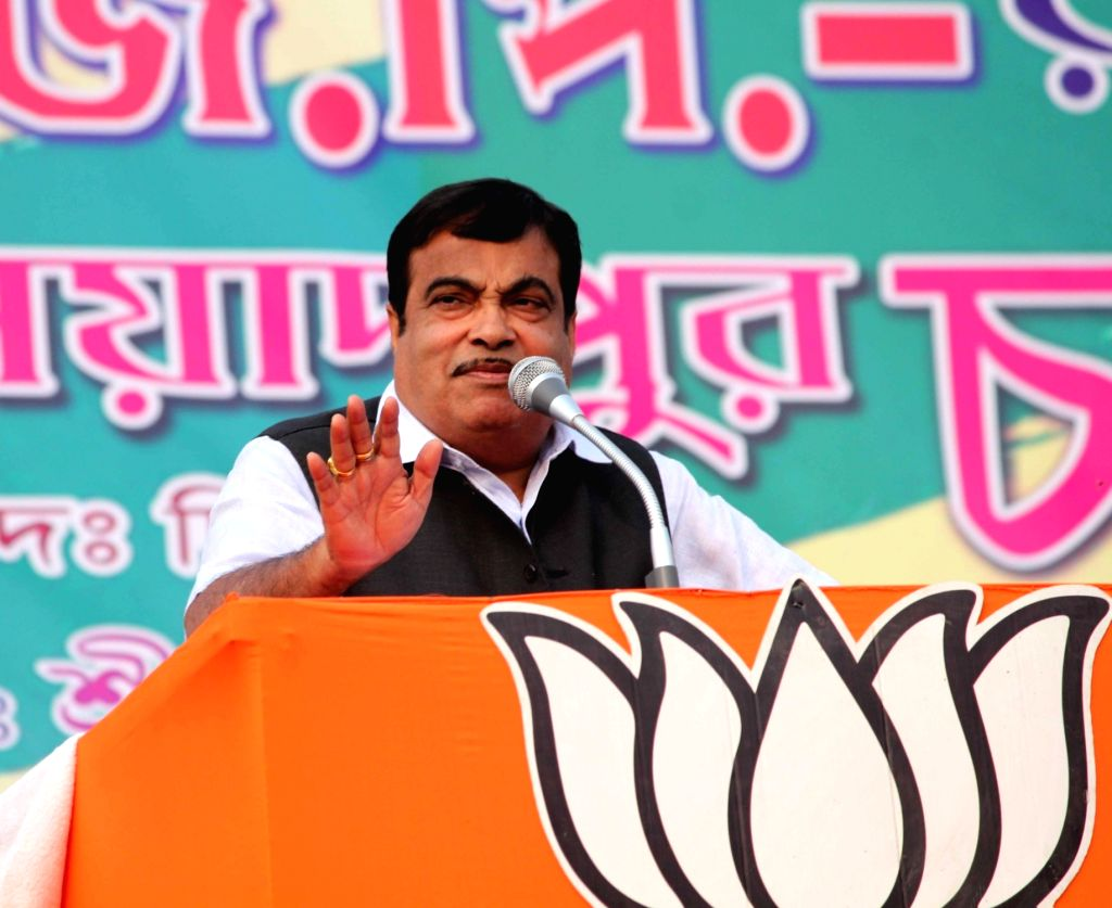 Union Road Transport, Highways and Shipping Minister Nitin Gadkari addresses during a BJP rally in Buniadpur of  South Dinajpur of West Bengal, on Jan 18, 2016.