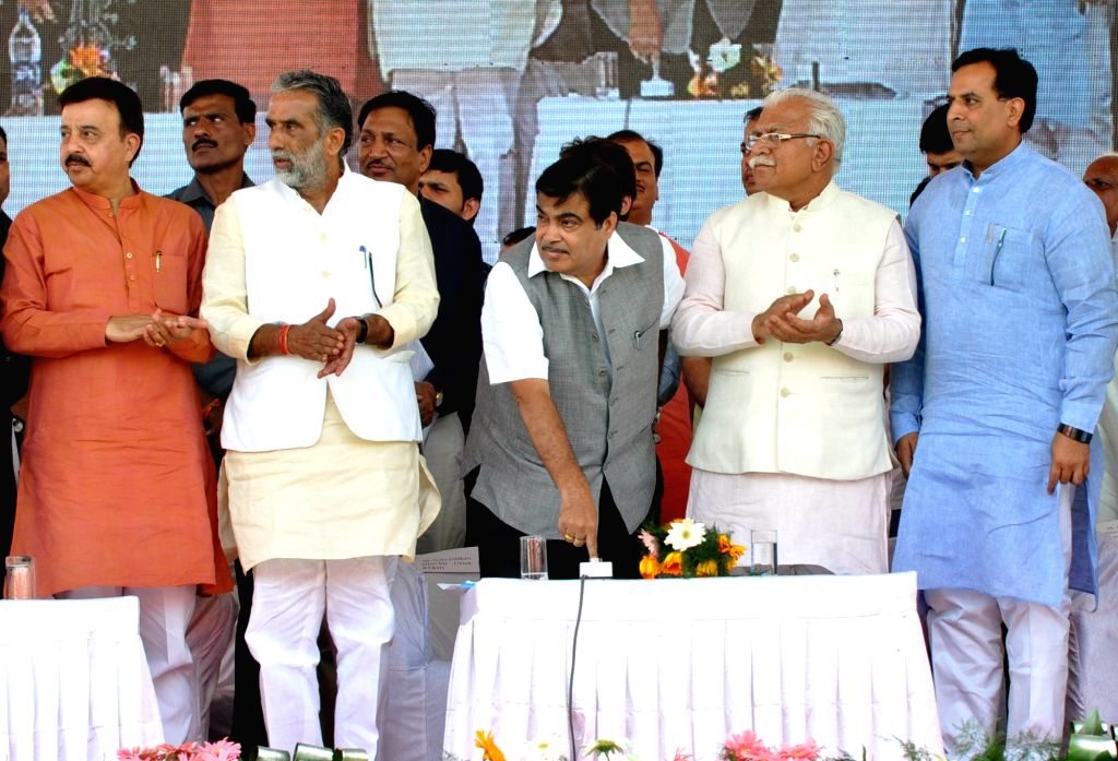 Union Road Transport, Highways and Shipping Minister Nitin Gadkari and Haryana Chief Minister Manohar Lal Khattar during a programme organised to inaugurate the 53 Km stretch of ... - Nitin Gadkari and Manohar Lal Khattar