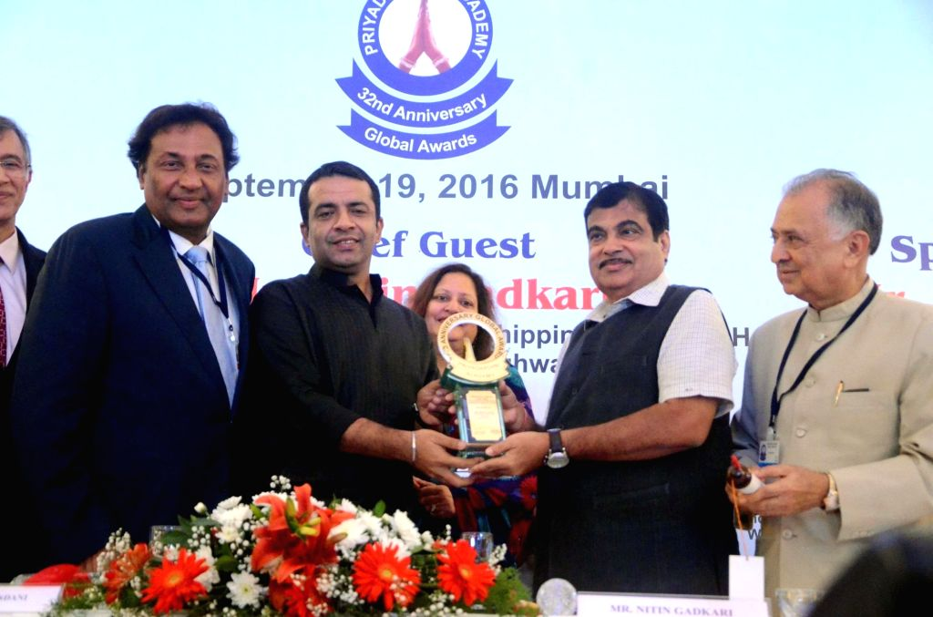 Union Road Transport, Highways and Shipping Minister Nitin Gadkari during 32nd Anniversary Global Awards Ceremony in Mumbai, on Sept 19, 2016. - Nitin Gadkari