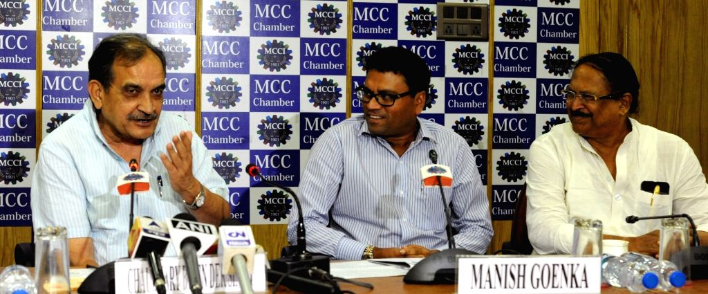 Union Rural Development Minister c with West Bengal Rural Development Minister Subrata Mukherjee during a MCC programme in Kolkata, on June 24, 2016. - Subrata Mukherjee