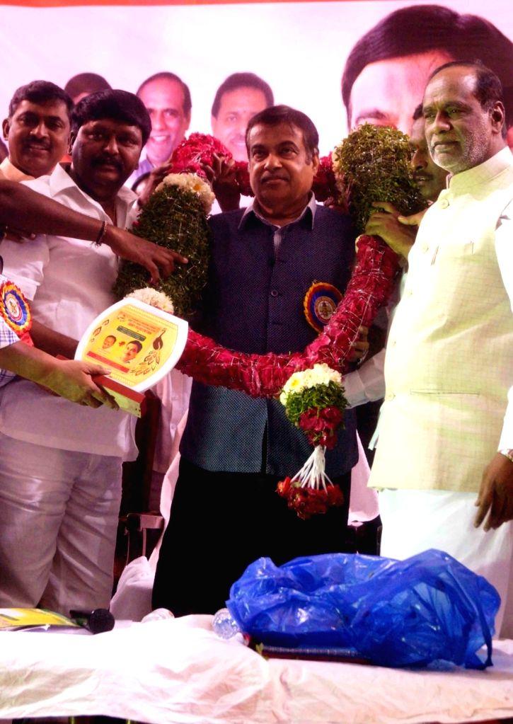 Union Transport Minister Nitin Gadkari and BJP leader K. Laxman during a programme in Hyderabad, on Feb 5, 2019. - Nitin Gadkari
