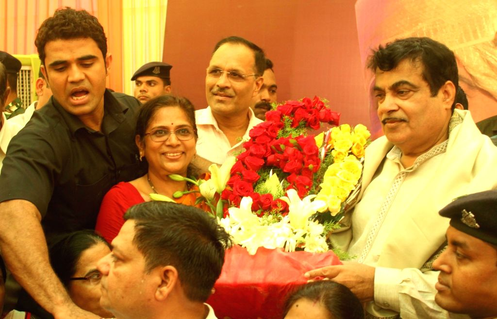 Union Transport Minister Nitin Gadkari celebrates his 60th birthday in Nagpur on May 27, 2017. - Nitin Gadkari