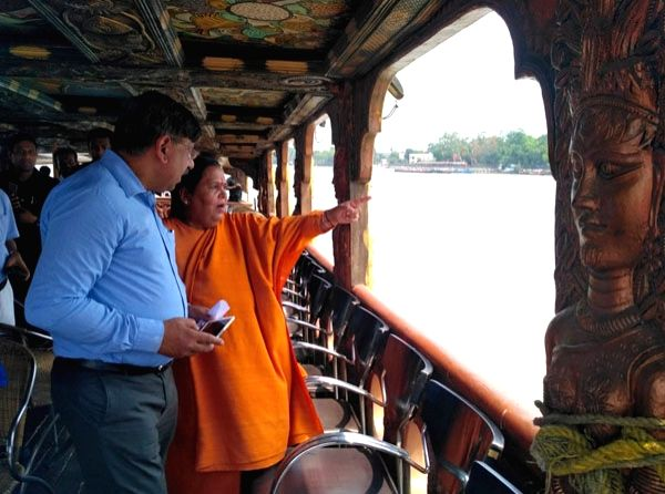 Union Water Minister Uma Bharti visiting the Central Inland Fisheries Research Institute, at Barrackpore, West Bengal on May 26, 2017. - Uma Bharti