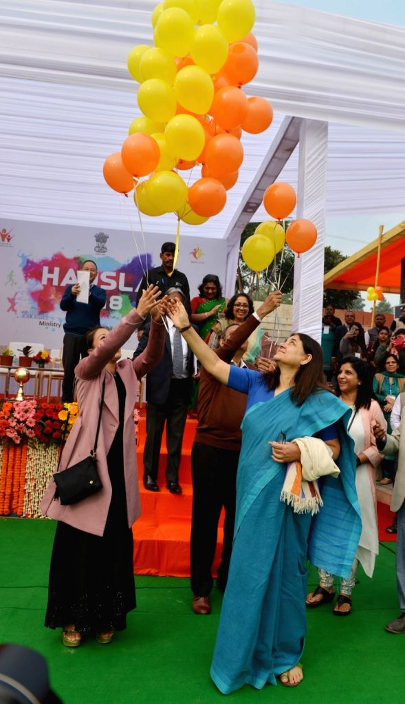 Union Women and Child Development Minister Maneka Gandhi and Rajya Sabha MP and Indian Olympic Boxer M.C. Mary Kom release balloons in the air at the inauguration of HAUSLA 2018 Sports ... - Maneka Gandhi and Mary Kom