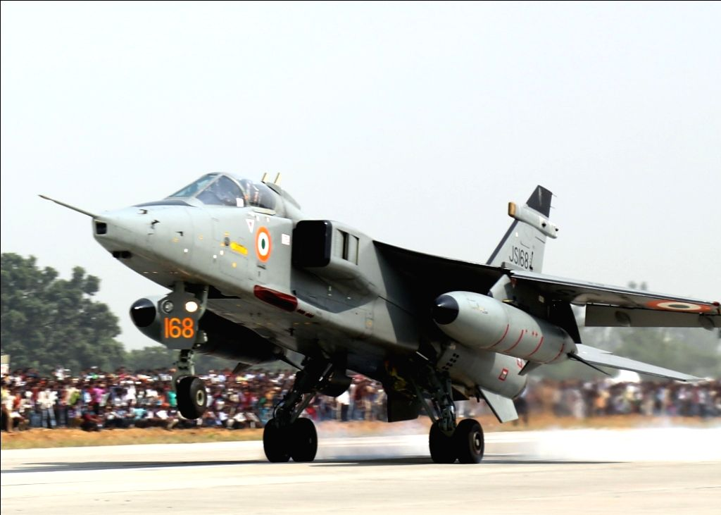 Unnao: Jaguar fighter aircraft during IAF landing operations at Lucknow-Agra Expressway near Bangarmau in Unnao on Oct 24, 2017. (Photo: IANS/DPRO)