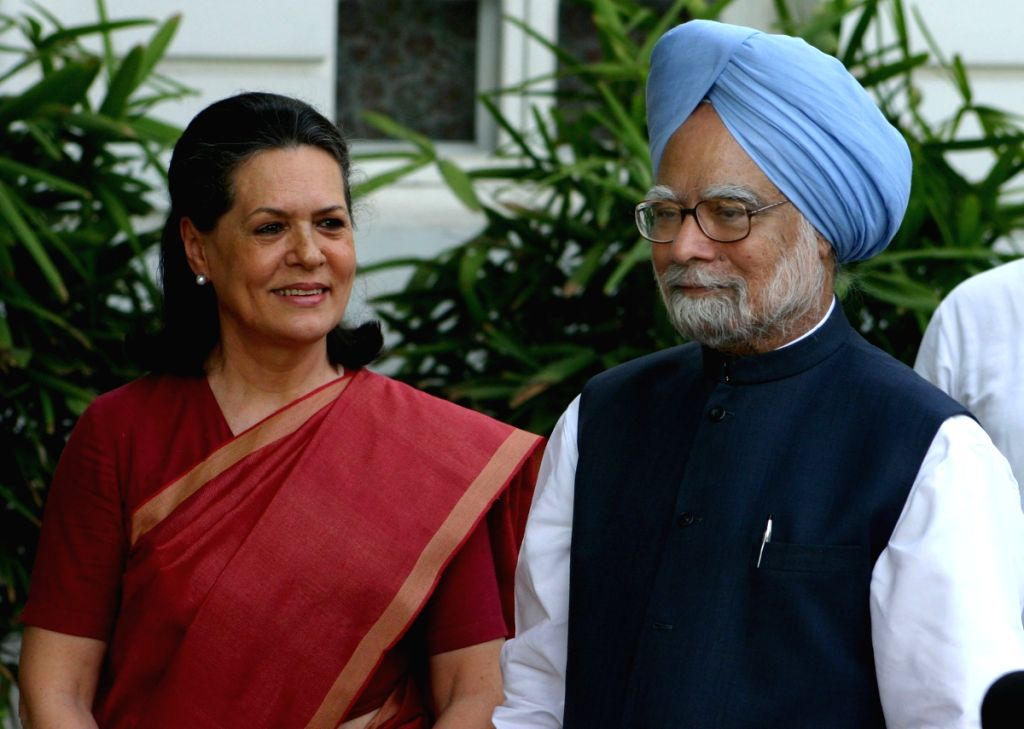 UPA Chairperson Sonia Gandhi and Prime Minister Manmohan Singh , after winning Loksabha election 2009,at her residence in New Delhi on Saturday.