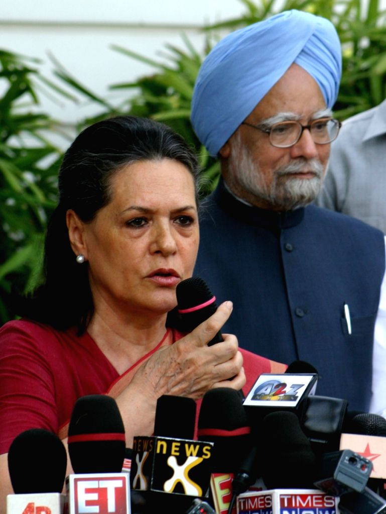 UPA Chairperson Sonia Gandhi and Prime Minister Manmohan Singh, after winning Loksabha election 2009,at her residence in New Delhi on Saturday.
