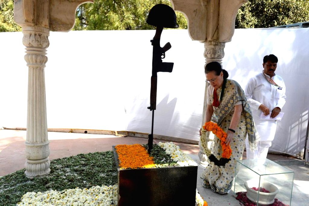 UPA chairperson Sonia Gandhi pays tribute to martyrs at Shaheed Smarak, in Ahmedabad, on March 12, 2019. - Sonia Gandhi