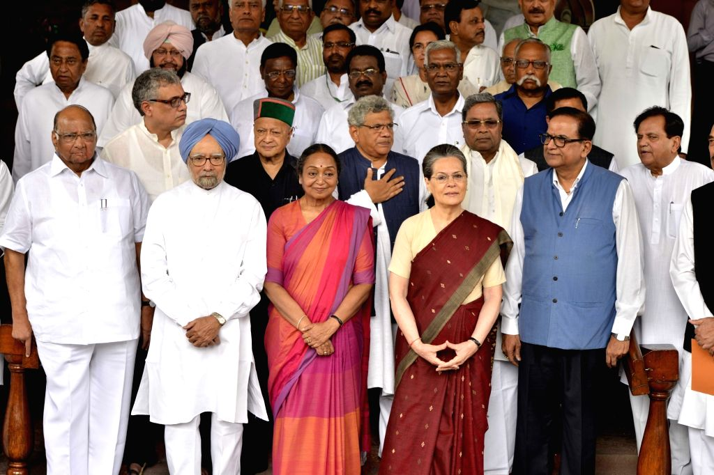 UPA's presidential candidate Meira Kumar arrives at Parliament to file her nomination papers with Congress President Sonia Gandhi, Dr Manmohan Singh (Congress), Sitaram Yechury (CPI-M), ... - Sitaram Yechury, Meira Kumar, Sonia Gandhi, Manmohan Singh, Virbhadra Singh and Kamal Nath