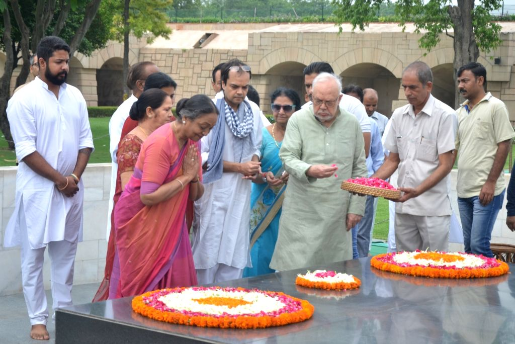 UPA's presidential candidate Meira Kumar visits Raj Ghat ahead filing her nominations for the elections at the Parliament, in New Delhi on June 28, 2017. - Meira Kumar