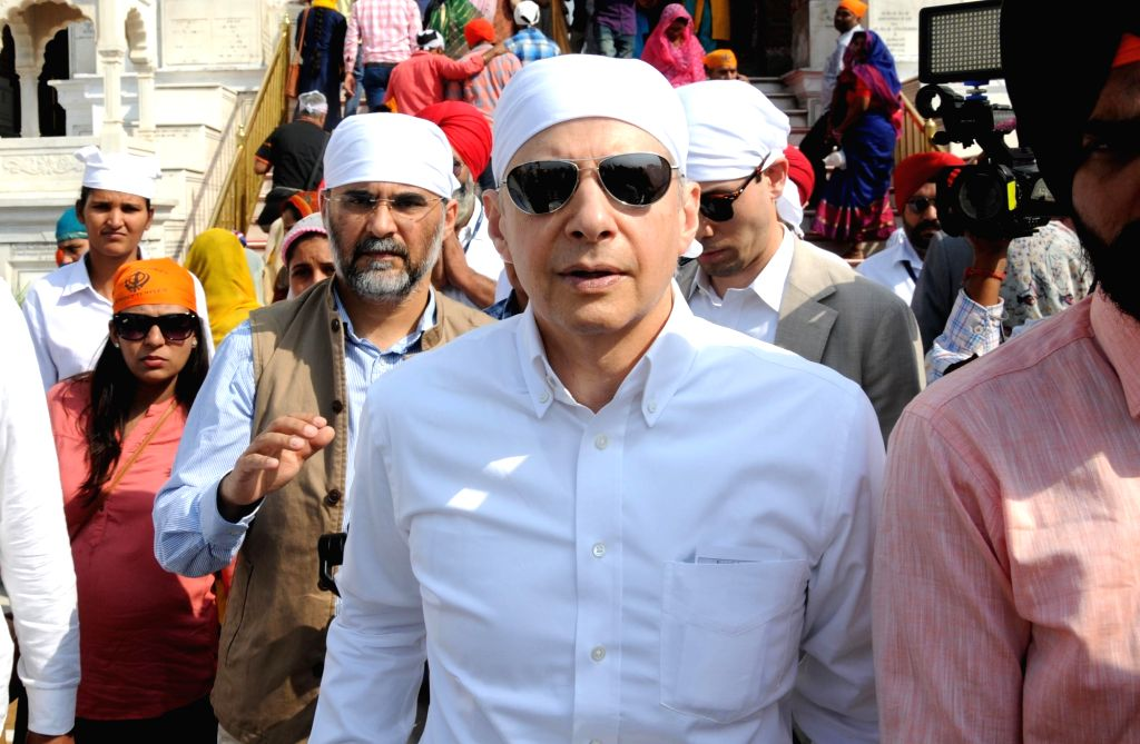 US Ambassador to India Kenneth I. Juster pays obeisance at the Golden Temple, in Amritsar on Oct 24, 2018.
