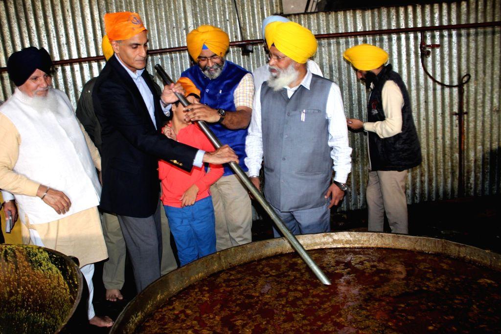 US Ambassador to India Richard Verma at the community kitchen of the Golden Temple in Amritsar on Nov. 23, 2016. - Richard Verma