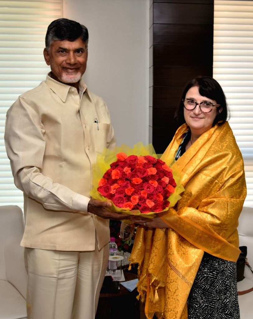 US Consul-General in Hyderabad, Katherine Hadda calls on Andhra Pradesh Chief Minister N Chandrababu Naidu in Vijayawada on Nov 22, 2016. - N Chandrababu Naidu