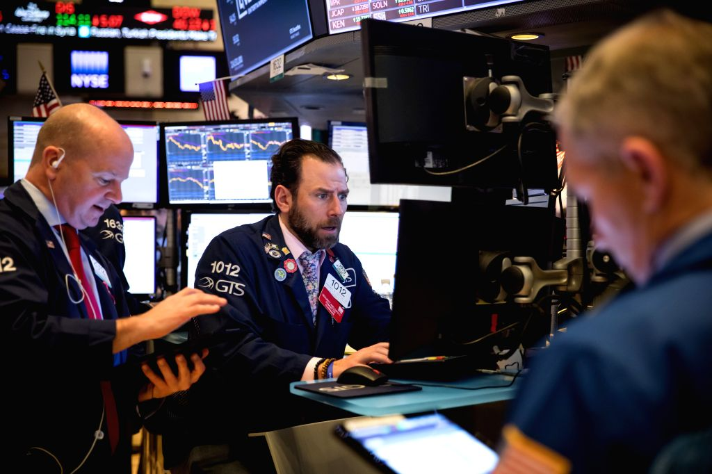 US stocks end mixed as investors focus on COVID-19 aid