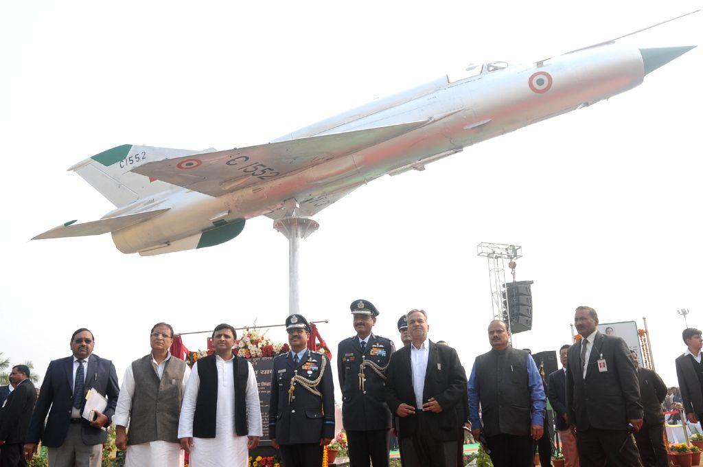 Uttar Pradesh Chief Minister Akhilesh Yadav during a programme organised to instal a MiG-21 at Janeshwar Mishra Park in Lucknow, on Jan 14, 2016. - Akhilesh Yadav