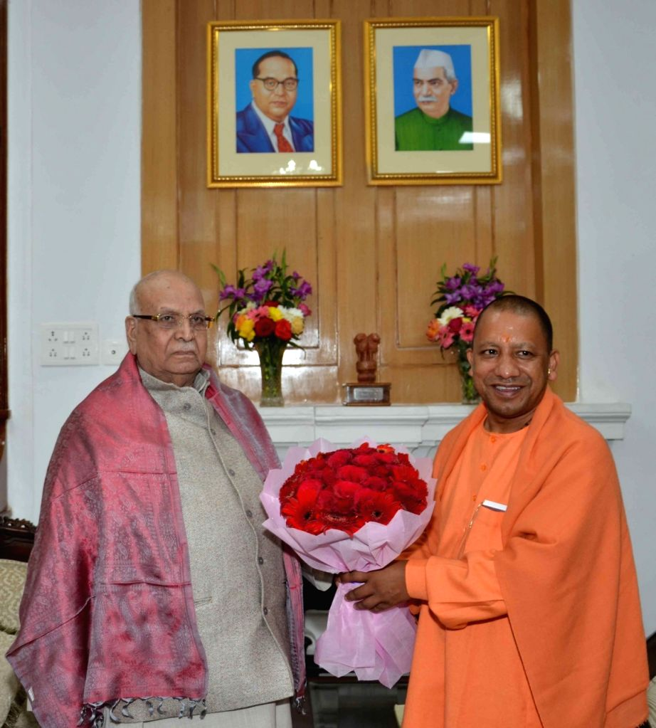 Uttar Pradesh Chief Minister Yogi Adityanath meets Bihar Governor Lalji Tandon at Raj Bhawan in Patna on Dec 12, 2018. - Yogi Adityanath