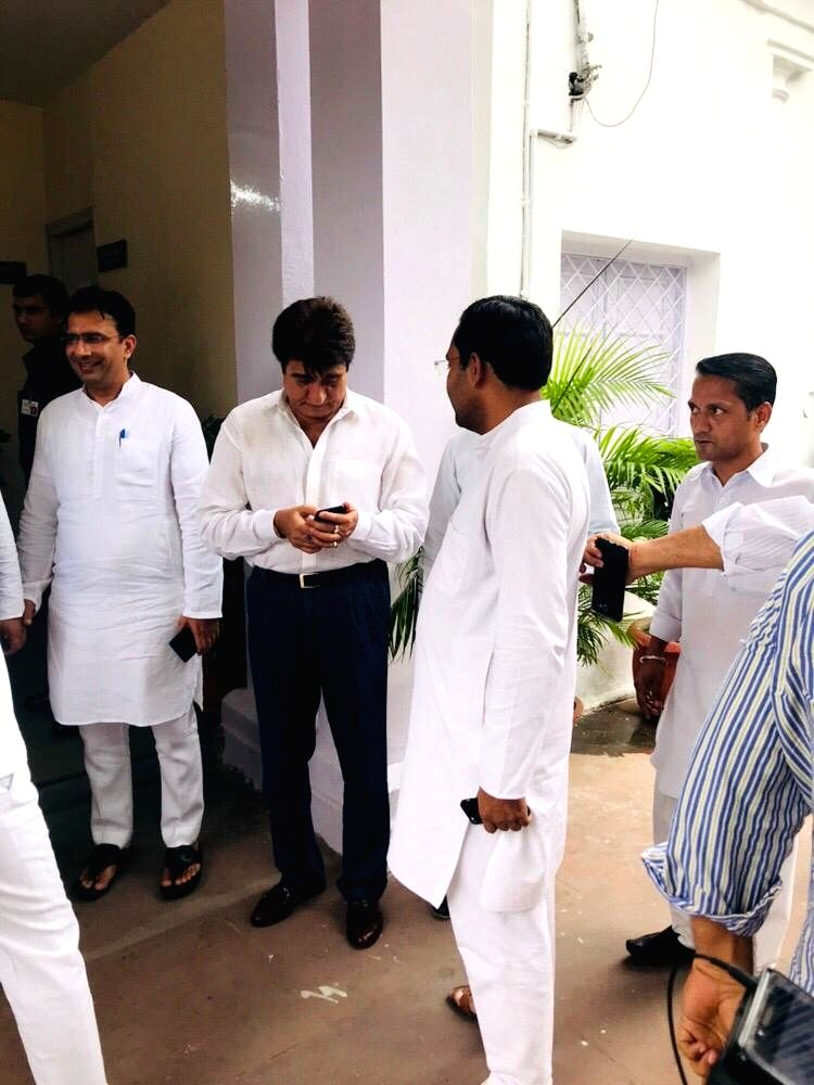 Uttar Pradesh Congress President Raj Babbar arrives at party headquarters to attend the Congress Working Committee (CWC) Meeting, in New Delhi on Aug 10, 2019.