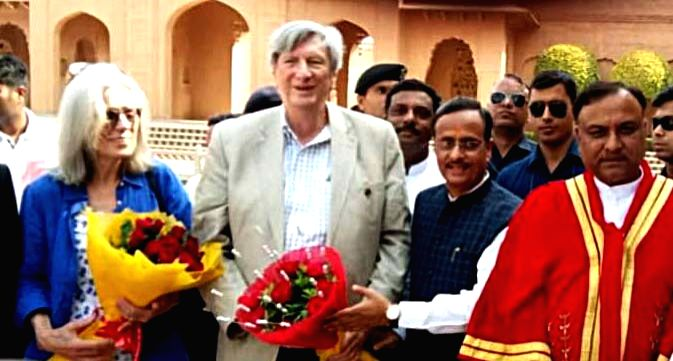 Uttar Pradesh Deputy Chief Minister Dinesh Sharma and Academy of Motion Picture Arts and Sciences President John Bailey along with his wife Carol Littleton in Agra on May 27, 2019. - Dinesh Sharma
