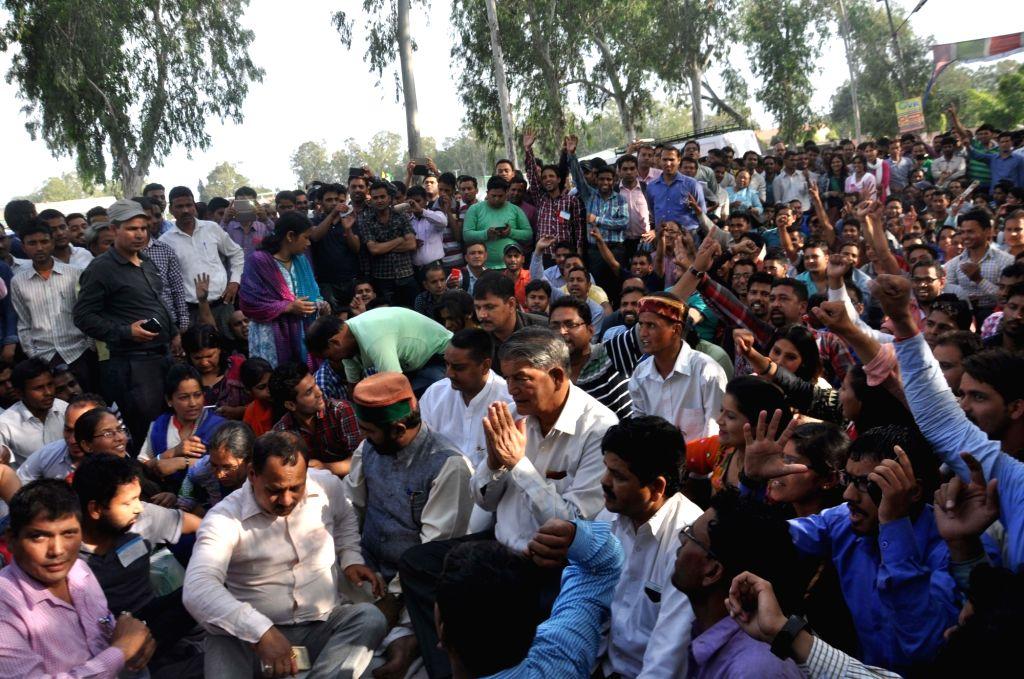 Uttarakhand Chief Minister Harish Rawat during a demonstration in Dehradun, on April 18, 2016. - Harish Rawat