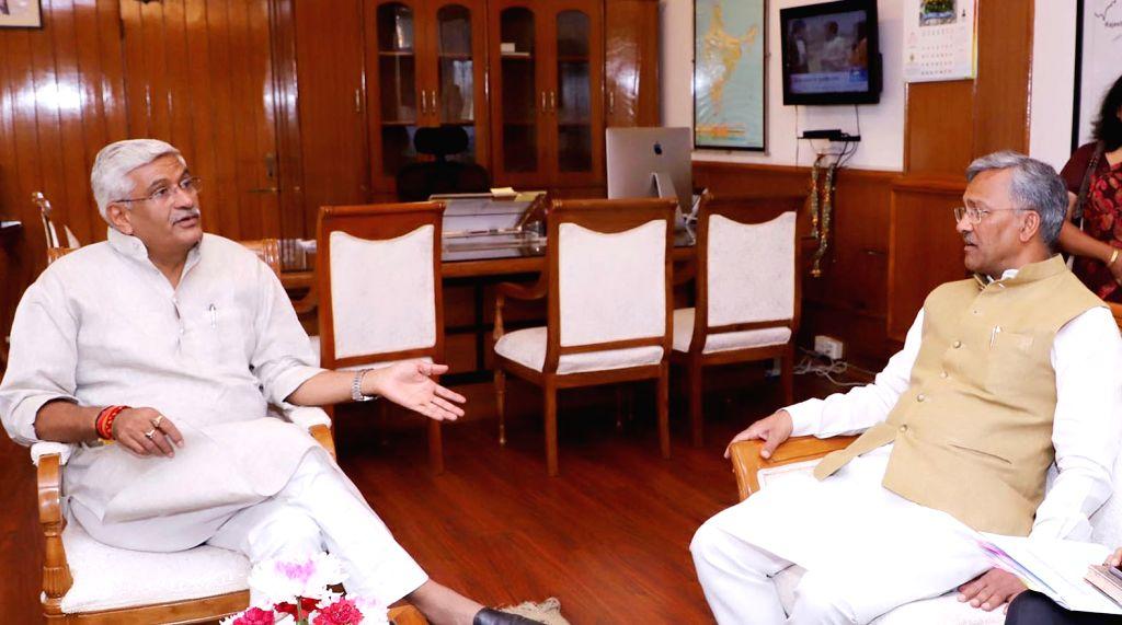 Uttarakhand Chief Minister Trivendra Singh Rawat meets Union Jal Shakti Minister Gajendra Singh Shekhawat, in New Delhi on June 15, 2019. - Trivendra Singh Rawat and Gajendra Singh Shekhawat