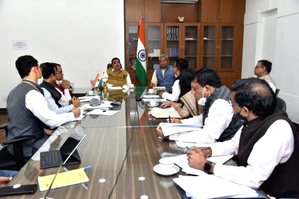 Uttarakhand CM meets Union Minister Gadkari. - Gadkari