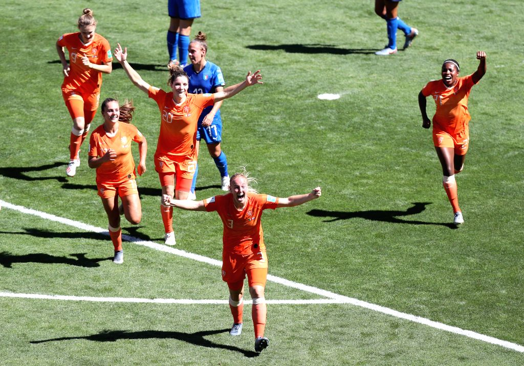 VALENCIENNES, June 29, 2019 (Xinhua) -- Stefanie Van Der Gragt (front) of the Netherlands celebrates scoring with her teammates during the quarterfinal between Italy and the Netherlands at the 2019 FIFA Women's World Cup in Valenciennes, France, June
