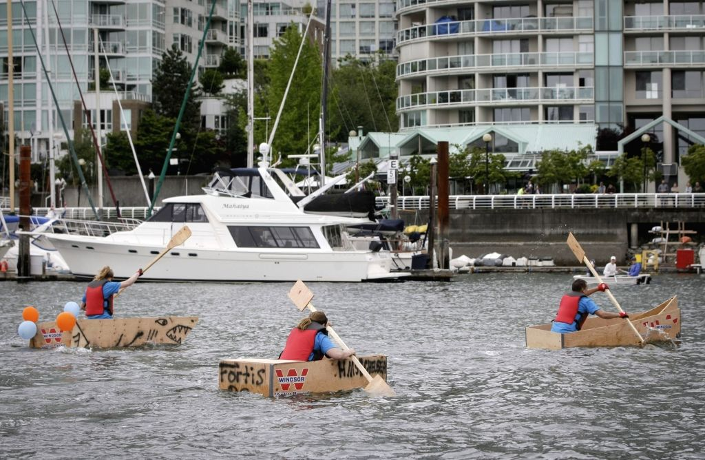 VANCOUVER, June 18, 2017 - Competitors paddle on water during the 20th Plywood Cup Challenge in Vancouver, Canada, June 17, 2017. The Plywood Cup Challenge is a fun charity event that participants ...