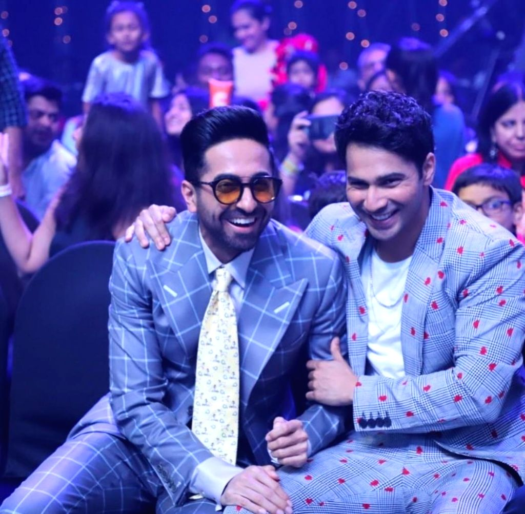 Varun Dhawan B'day: B-Town wishes 'guy with a heart of gold'.